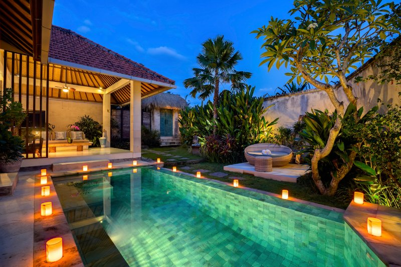 Romantic Luxury Escape in Canggu, holiday rental in Tanah Lot
