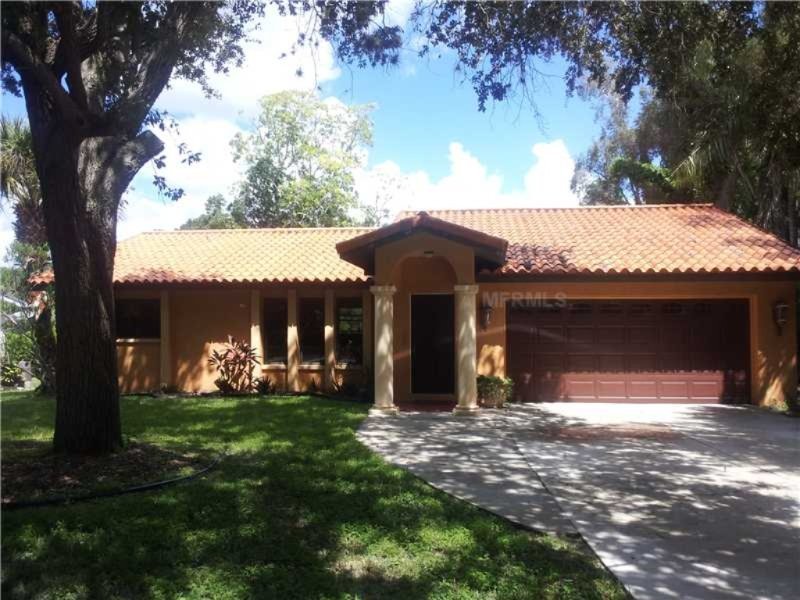 Amazing Hacienda Style Villa - Very Close To Siesta, holiday rental in Sarasota