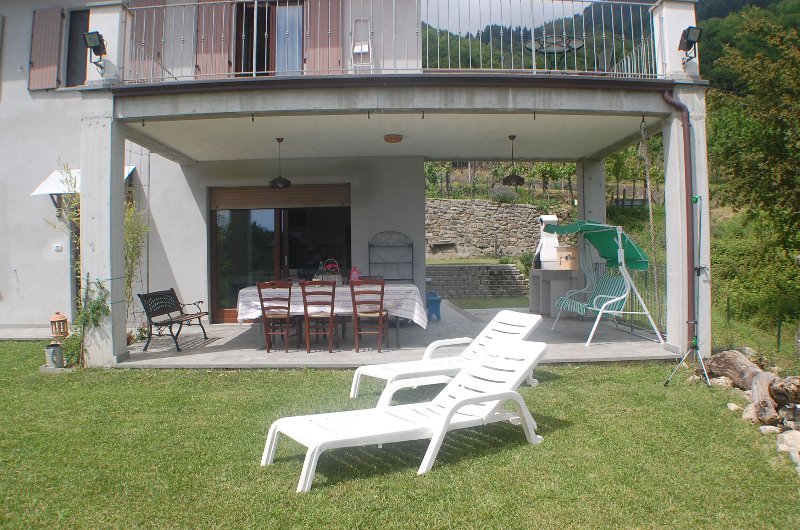 Green Garden - Oasis of relaxation in Tuscany, holiday rental in Montelungo