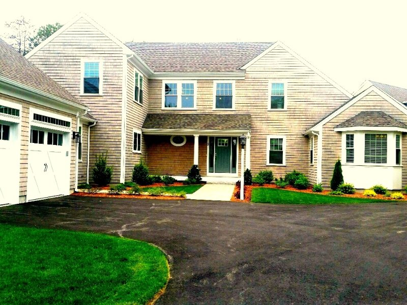 BEAUTIFUL NEWER HOME in Gated New Seabury ! 131755, vacation rental in Forestdale