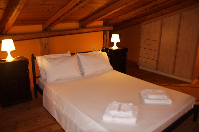 Cleo - The Orange Cozy Loft Apartment, vacation rental in Agia Efimia