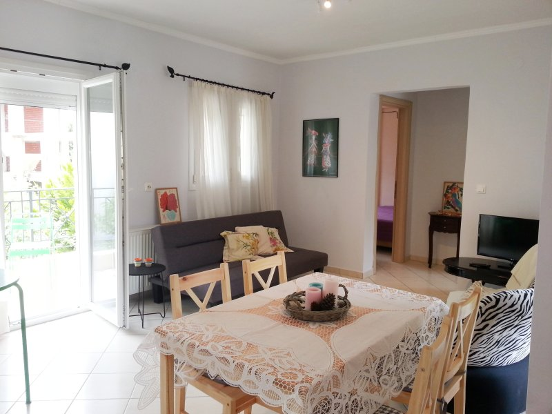 Casa Mameli, Aphrodite, Two Bedroom with Balcony, holiday rental in Kallithea