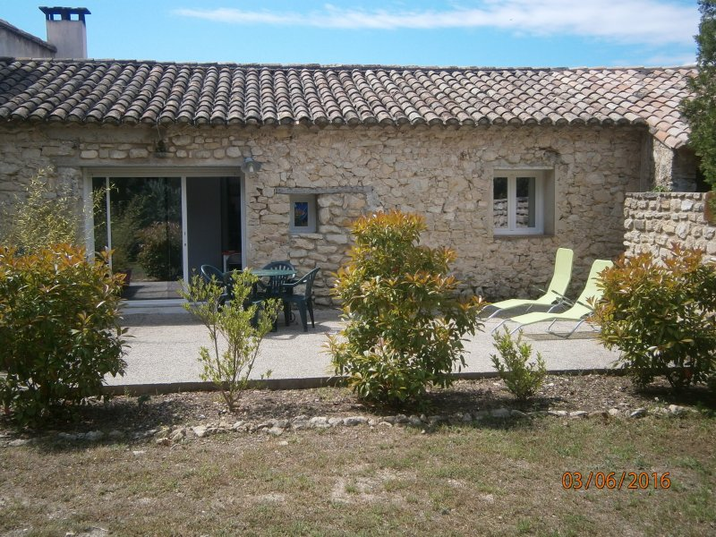 Appartement de domaine, holiday rental in Saint-Pierre de Vassols