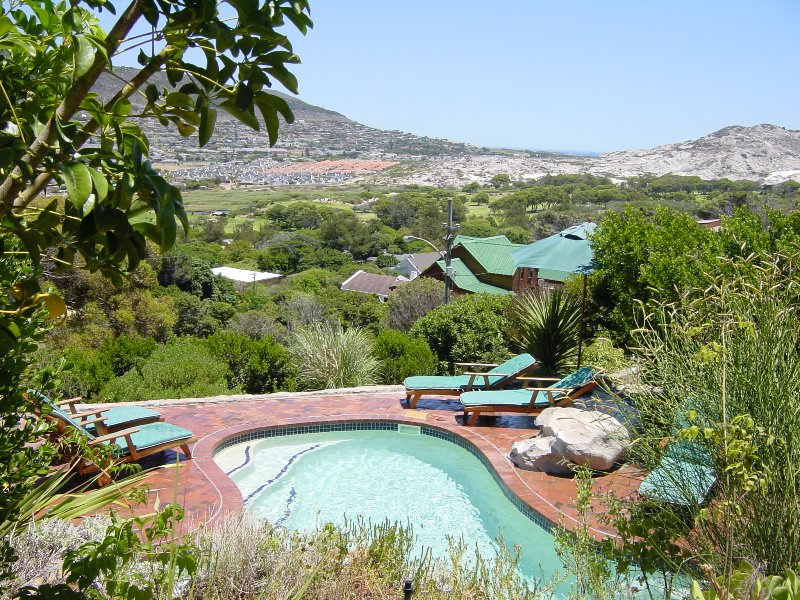 Dunvegan Villa, holiday rental in Fish Hoek