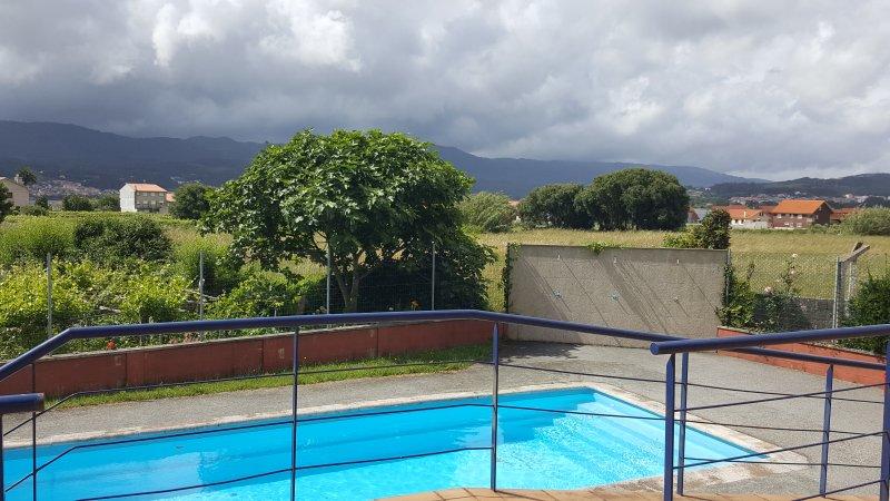 Apartamento nuevo con piscina cerca de la playa boiro for Apartamentos vacacionales con piscina
