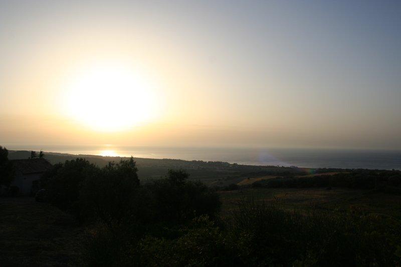 vue du lever du soleil à partir de la structure