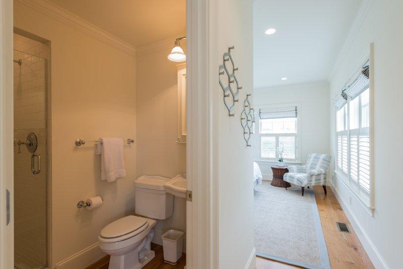 1st Level Bedroom Ensuite Bath