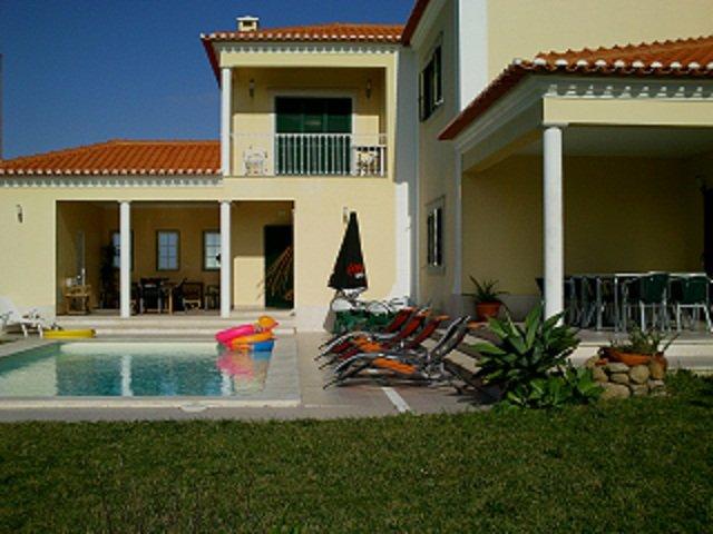 Villa luxe Sintra / Lisbonne avec piscine et plage, vacation rental in Fontanelas