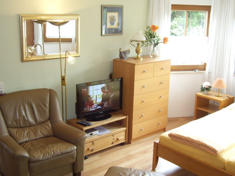 Apart No.4, living / -. Bedroom, flat-screen TV - SAT + DVD