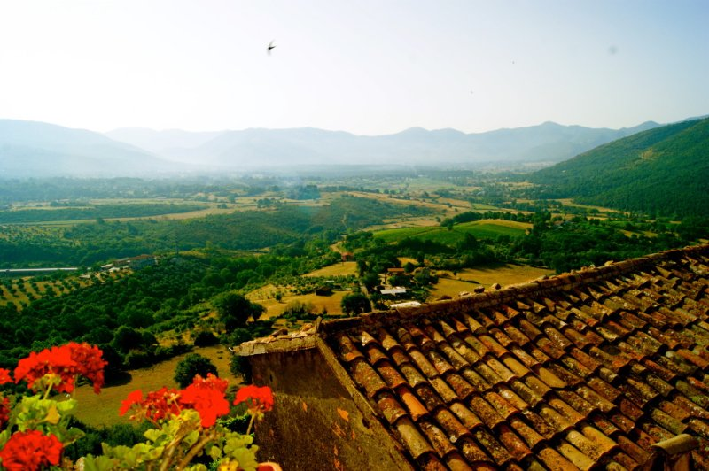 Charming apartment with view, holiday rental in Vallecorsa