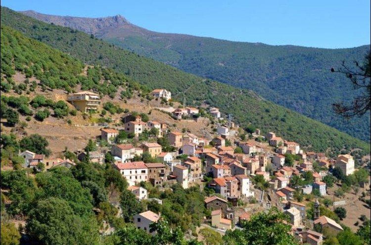Le village d'Asco