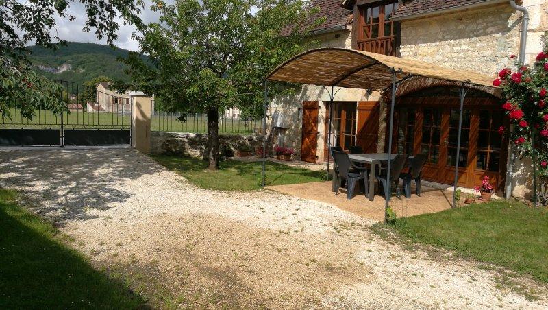 CHEZ MARIE charmante maison  à TOUR DE FAURE, holiday rental in Blars