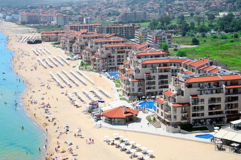 Obzor Beach Resort is situated directly on the beautiful sandy Black sea coast of Obzor