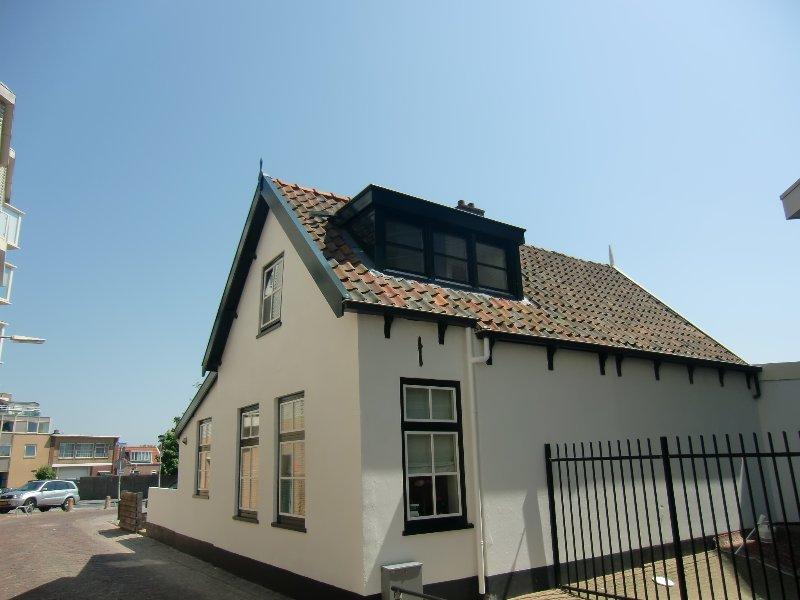 Strandhuis het Vissershuisje 15, Noordwijk, est. 1785