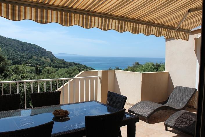 Appartement 4/6pers Résidence Hélios*** vue mer, location de vacances à Cargese