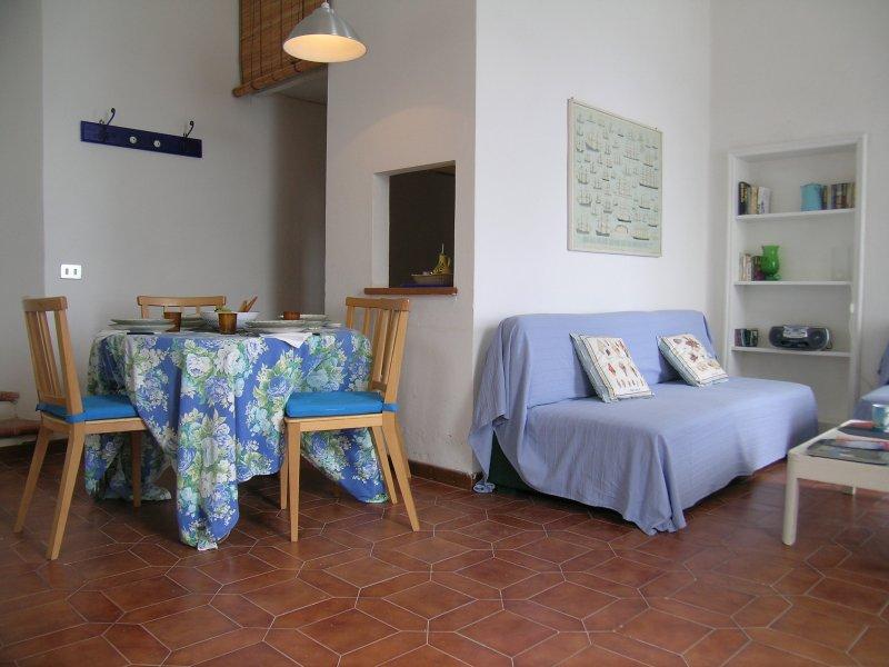 Lovely beach historic house, apt 2, holiday rental in Talamone