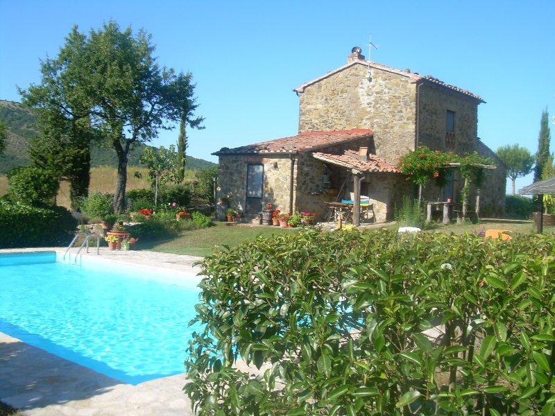 Splendida Casa Colonica immersa nella campagna, holiday rental in Pratolungo