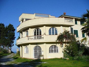 MONOLOCALE, holiday rental in Santa Domenica