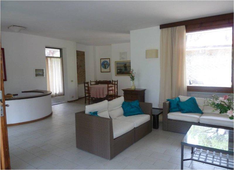 RoccAmare - spaziosa villa al mare, holiday rental in Castiglione Della Pescaia