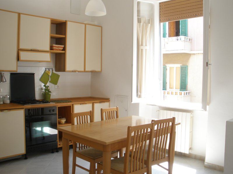 Appartamento centro & bici, vacation rental in Populonia