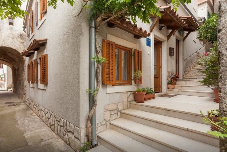 Picturesque stay with stunning view, casa vacanza a Brsec