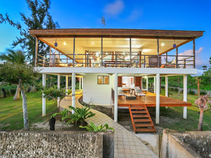 Magical Ocean front Villa 'Senang Masari', holiday rental in Vanuatu