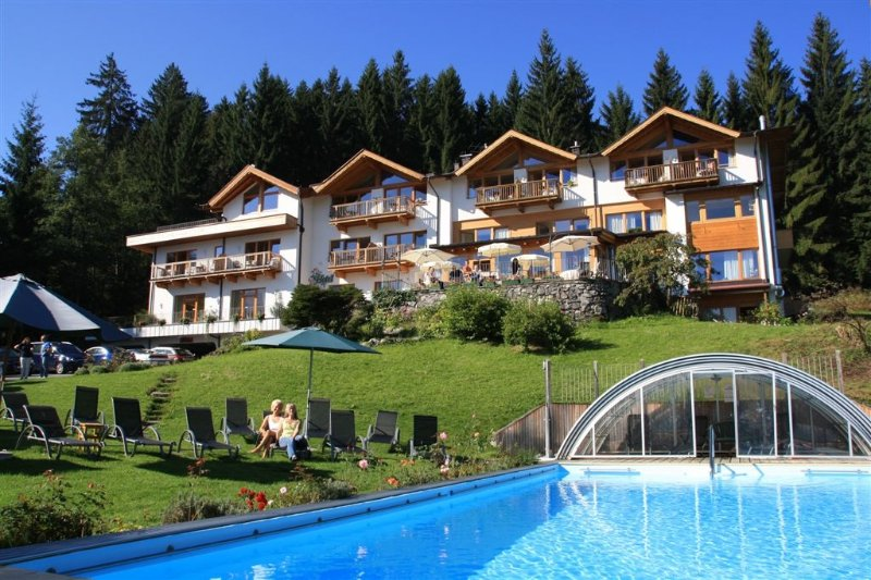 Ferienhaus 'Birke' im Gartenhotel Rosenhof bei Kitzbühel, vacation rental in Oberndorf