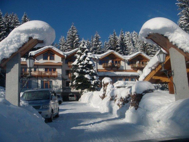 Ferienhaus oder Ferienwohnung Deluxe im Gartenhotel Rosenhof bei Kitzbühel, holiday rental in Kirchdorf in Tirol