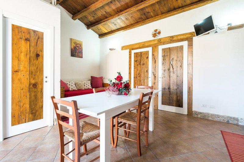 Casa Mary con ampio spaziale bordò, vacation rental in Castellammare del Golfo