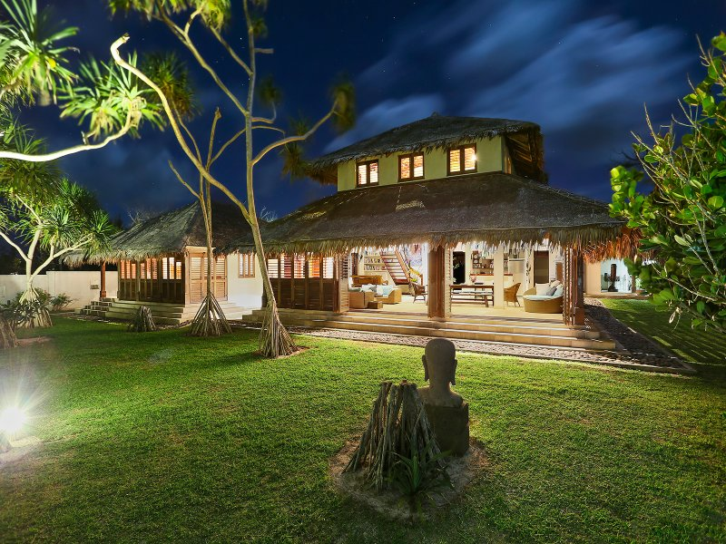 'SARANGKITA' Luxury Beach Front Villa, holiday rental in Vanuatu