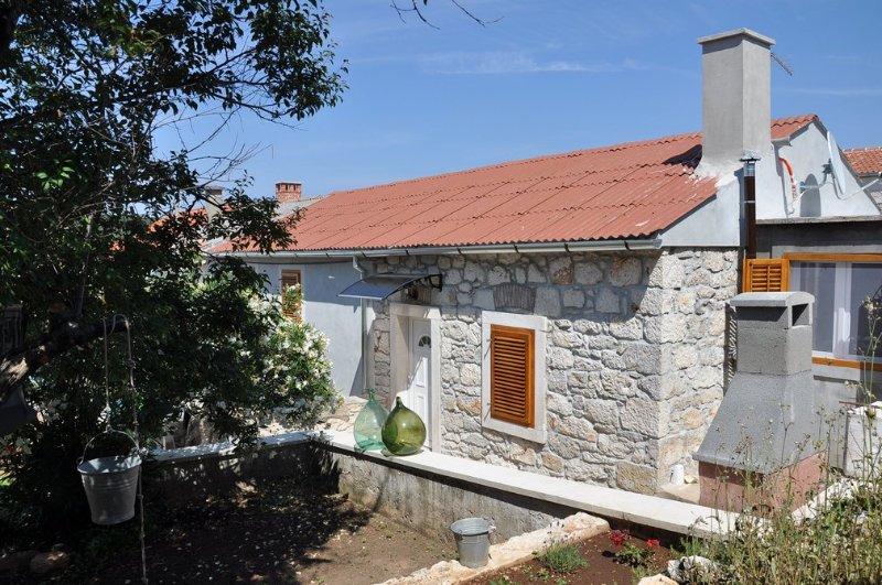 Apartments ZMAJ (Krilo 1)-Veli Rat, Dugi otok, holiday rental in Dugi Island