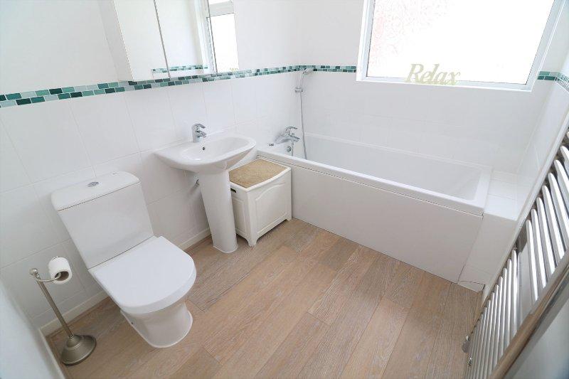 Croyde Holiday Cottages Dunes Bathroom