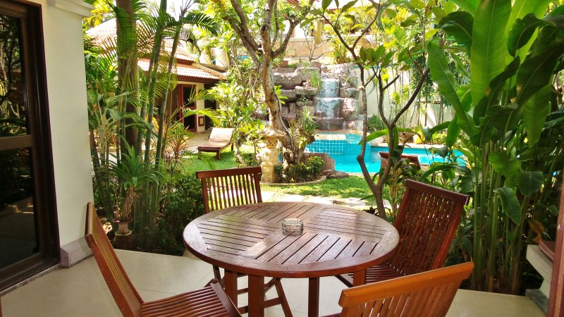 NICE APARTMENT 40 M2  fully furnished Pattaya in nice resort Thai Bali style, holiday rental in Pattaya