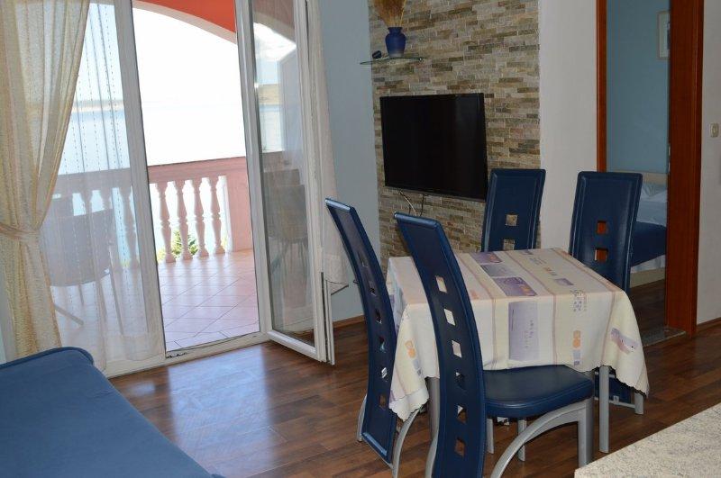 Apartments Amari 2, holiday rental in Kukljic
