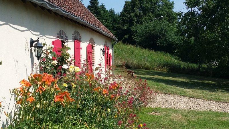 Gite la petite fermette en Nivernais, holiday rental in Jouet sur l'Aubois