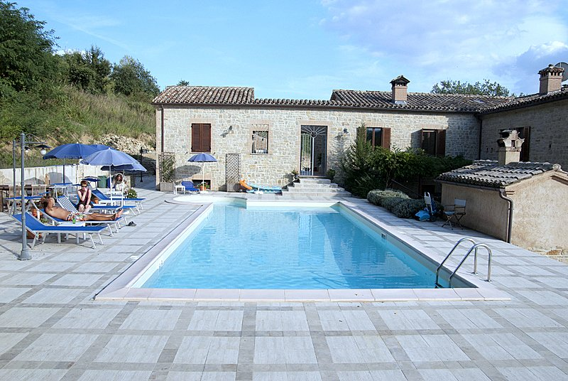 Cantinone Verdicchio Apartment 2br sleep 5  Pool, vacation rental in Angeli Stazione