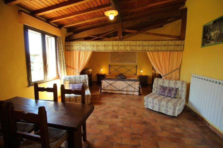 Agriturismo Podere Bello Camera Roccia, vacation rental in Ischia di Castro