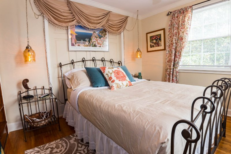 2 queen bedrooms are at opposite ends of the house. Perfect for 2 couples with kids or 3 couples.