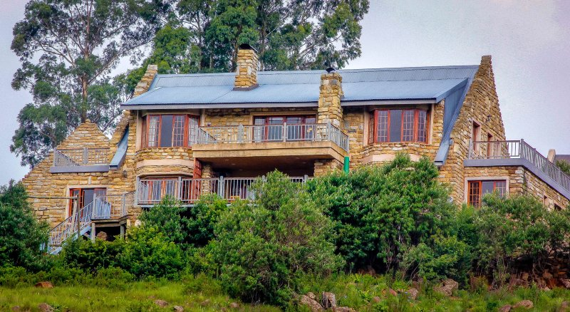 Amanzi Country Manor is a luxury self-catering home.  (All rates are for up to 8 persons)