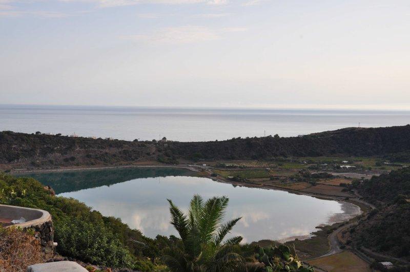 Dammusi di Venere - 'U Locu' con vista panoramica, alquiler de vacaciones en Pantelleria
