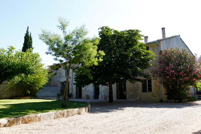 Gîte 2 pers. spa et sauna privés, holiday rental in Redessan