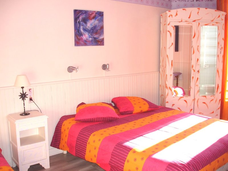 Room with 1 bed of 160cm and 1 bed 90cm