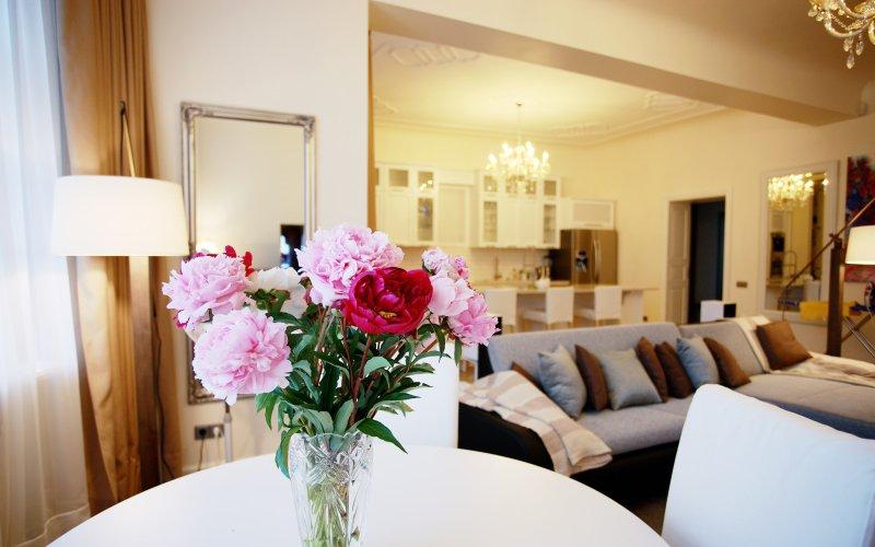 Riga Aparts Stabu Deluxe 3-bedroom apartment, location de vacances à Riga