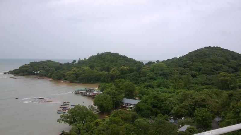 Vue du Parc, avec ses petits pêcheurs en barques traditionnelles.