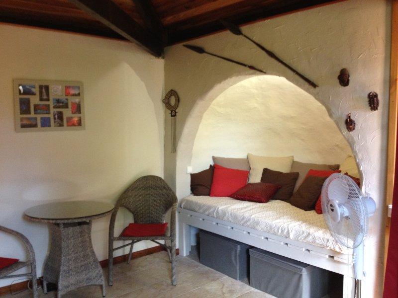 Ti Caze Dodo, petite case créole, holiday rental in Etang-Sale les Hauts