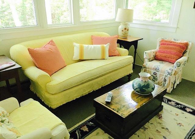 Boven Living Room