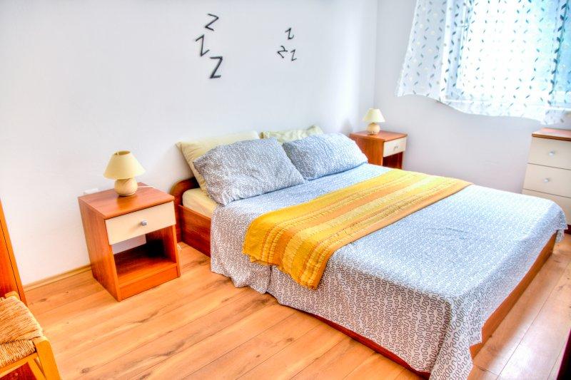 Yellow apartment, Ferienwohnung in Fazana