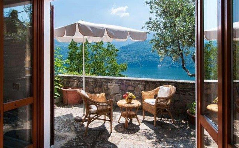 Family house, Lake Como, great view, alquiler vacacional en Carate Urio