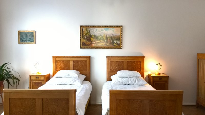 M2 2BR Apartment in perfect location near center, vacation rental in Prague