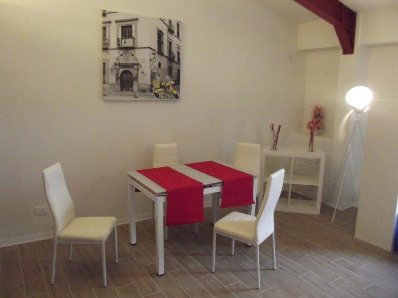 Residence La FALEGNAMERIA AFFITTI  SOGGIORNI RELAX, holiday rental in Caprona